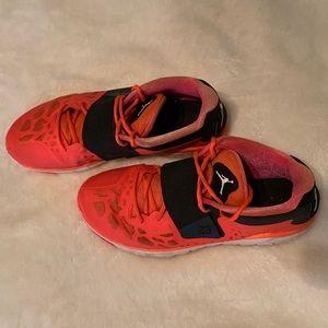 JORDAN men's gym shoes